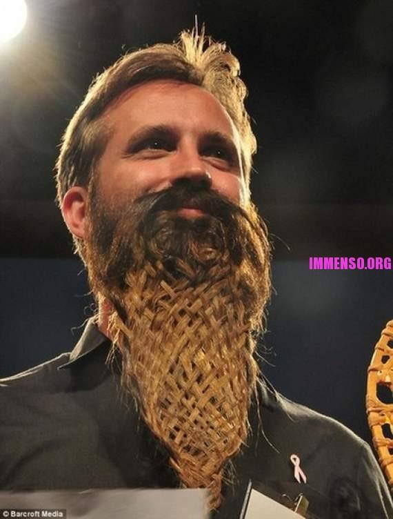 abbastanza Foto: strani barbe e baffi 02 >> Strani baffi e barbe: la gara di  VX06