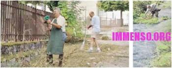 sindaco di Cassino pulisce la villa comunale