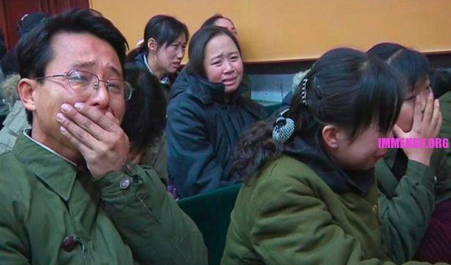 morte dittatore corea persone che piangono (15)