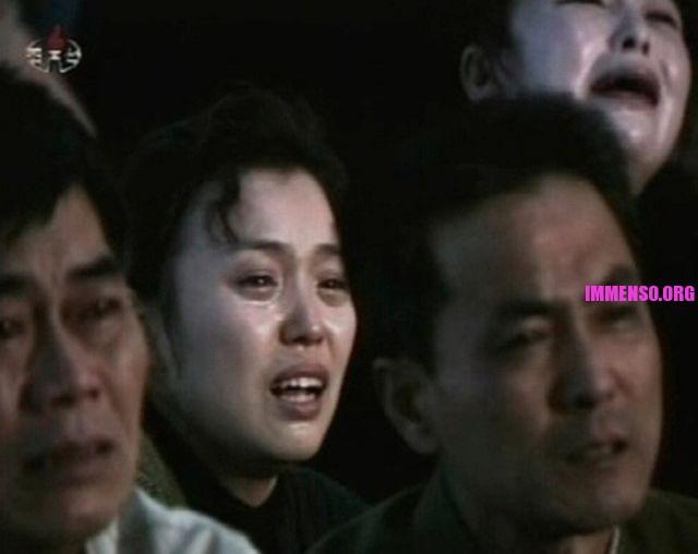 morte dittatore corea persone che piangono (13)