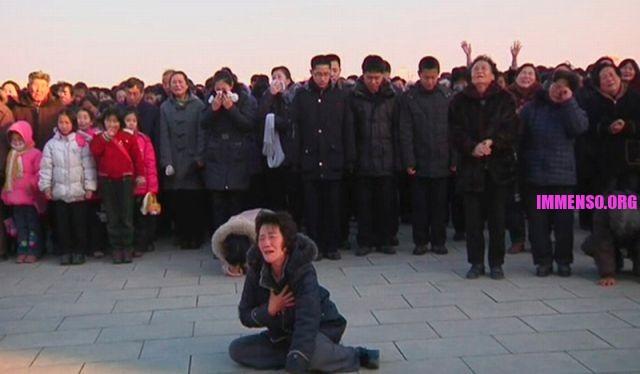 morte dittatore corea persone che piangono (11)