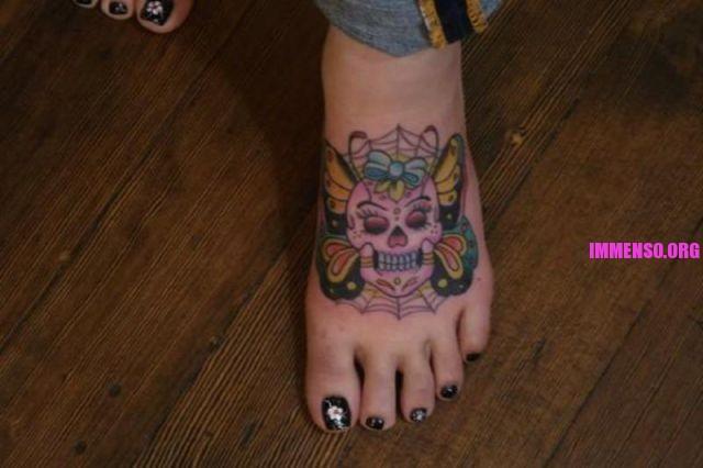 tatuaggi strani sui piedi 29