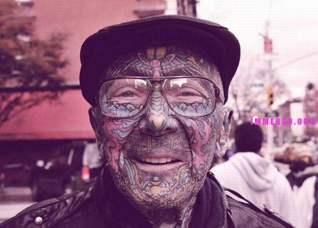 persone anziane con tatuaggi 01