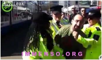 italiano aggredito dai poliziotti in olanda video