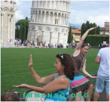 turisti idioti torre di pisa video