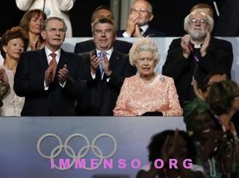 regina elisabetta foto olimpiadi londra 03 350x261