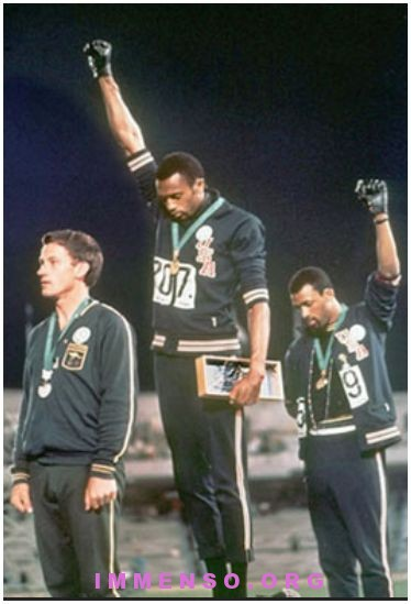 medaglia d'oro venduta all'asta Tommie Smith