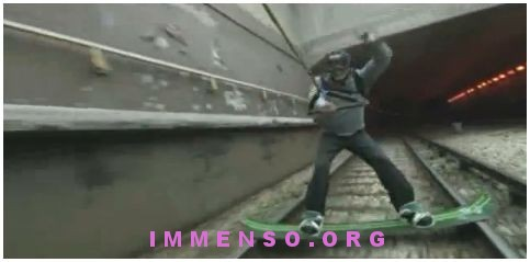 skateboard in metropolitana
