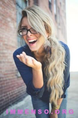belle donne con occhiali 04