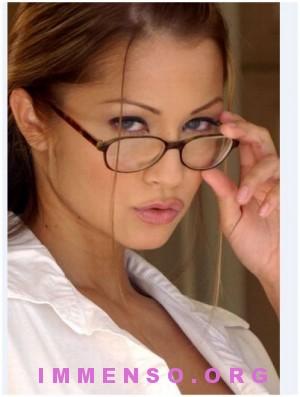 belle donne con occhiali 40