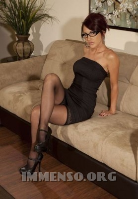 ragazze bellissime con occhiali 104