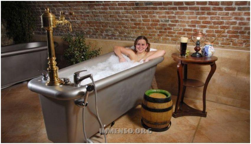 Foto ragazza bagno nella birra foto 01 belle donne che si fanno il bagno nella birra nuove - Donne che fanno il bagno ...