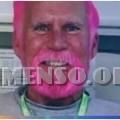 barba capelli rosa