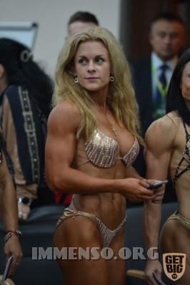 donna muscolosa campionessa bodybuilding foto  04