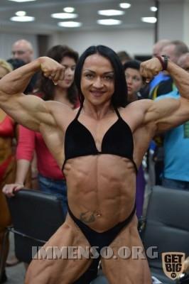 donna muscolosa campionessa bodybuilding foto  13