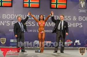 donna muscolosa campionessa bodybuilding foto  20