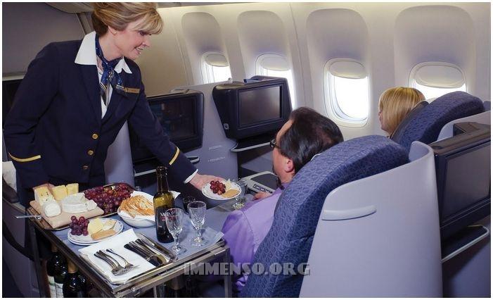 voli aerei premium eco lufthansa