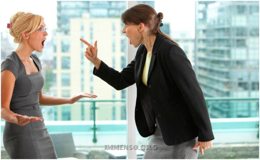 insulto in ufficio
