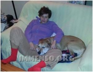 malata ebola con cane