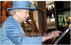 regina elisabetta tweet