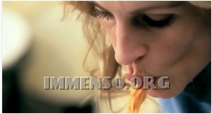 donna mangia la pasta