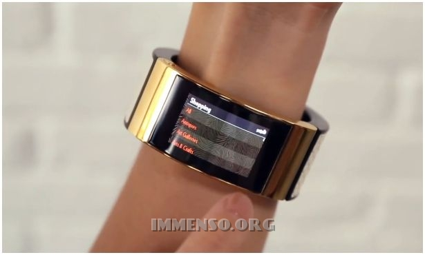 intel mica braccialetto smartwatch