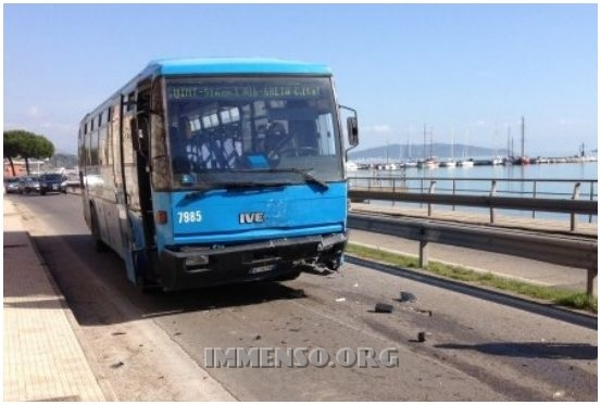 autobus Cotral incidente formia
