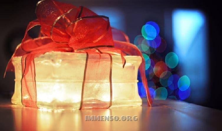 http://www.immenso.org/wp-content/uploads/2017/12/regali-natale-2017-tecnologia.jpg